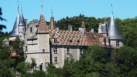 rochpot chateau burgundy walking grance